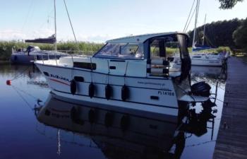 Nautica 830, czartery na Mazurach, Jacht Mazury